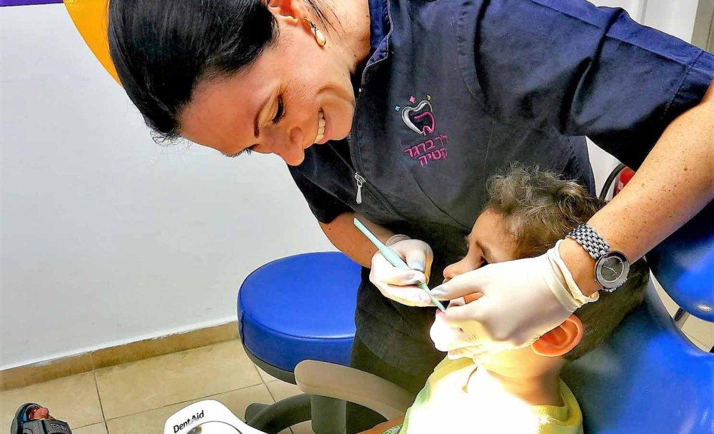 אמא בארשבעית | דייט אימהי עם פיית השיניים