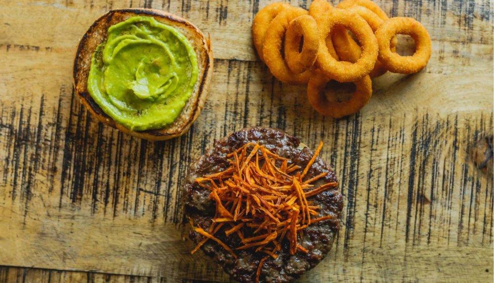בואו להתפרע: ההמבורגר החדש שיעיף לכם את הראש