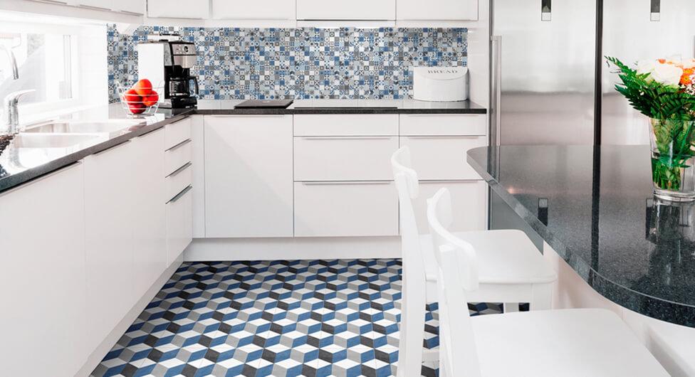 סמוק, משפחתי ואלגנטי: סדר פסח 2019 מתחיל במטבח
