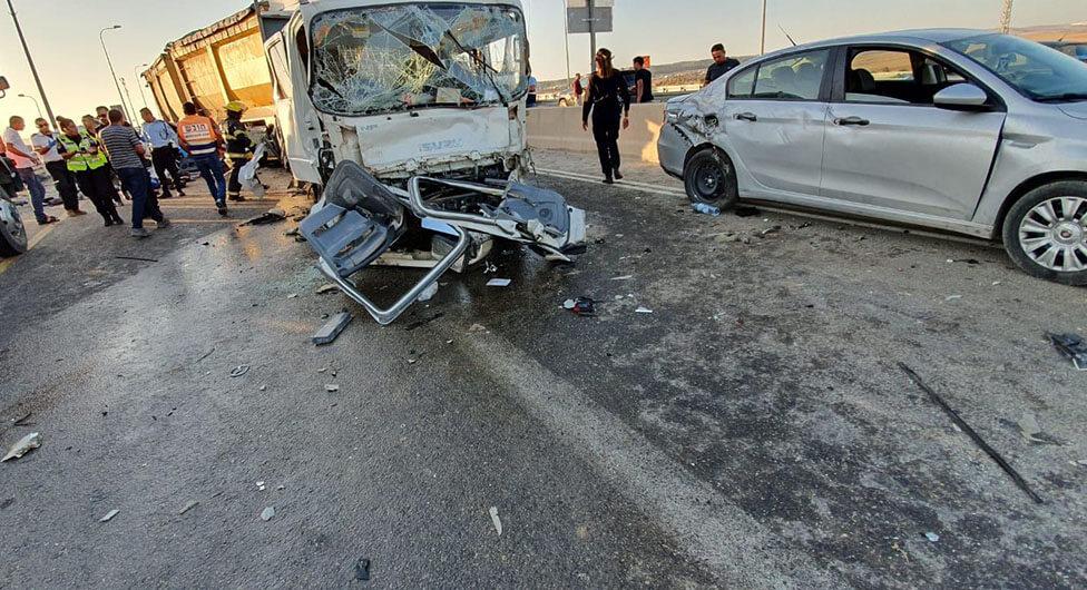 הרוג ו-9 פצועים בתאונת שרשרת בסמוך לצומת שוקת