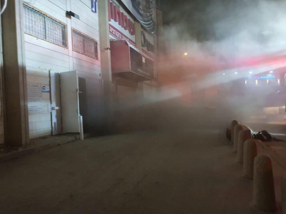 שריפה בחנות אלקטרוניקה בבאר שבע