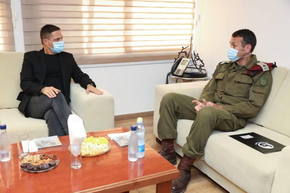 """סגן הרמטכ""""ל המיועד בפגישה עם ראש עיריית באר שבע"""