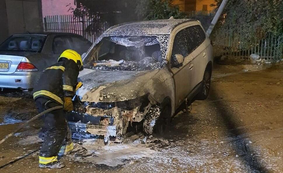 שריפת כלי רכב ברחוב גוש עציון